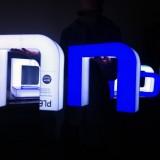 Litery świetlne z plexi, halo efekt